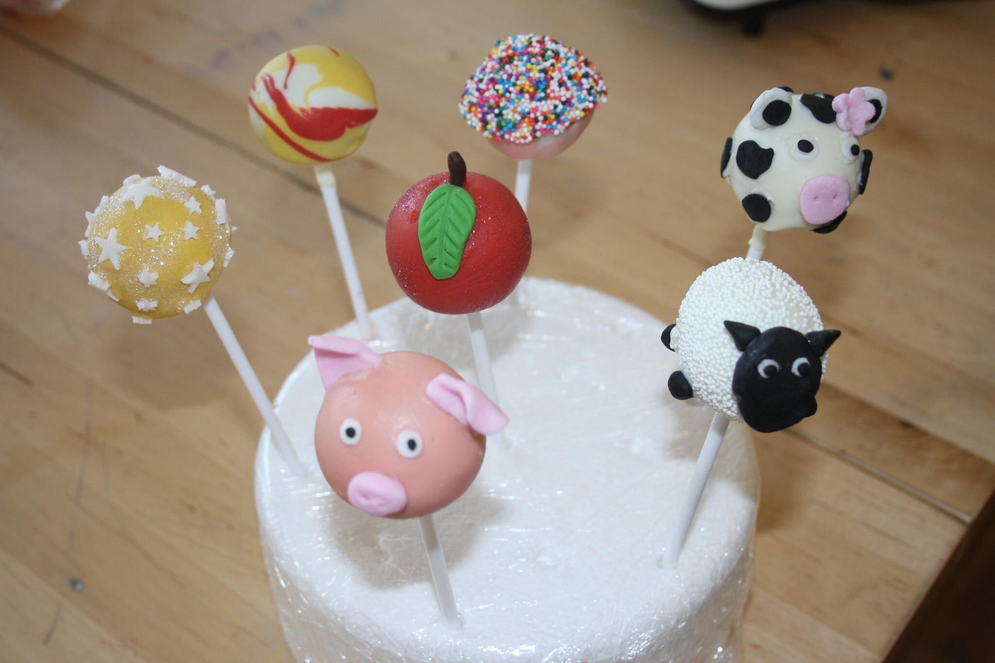 Cake Pops Decorating Class - Pigs, Sheep and Cows