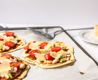 Curry crab flatbread pizza