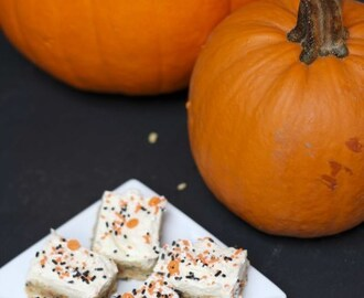 Halloween Idea: Cake Batter Blondie Bars