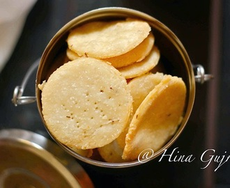 Homemade Papadi (Savoury Crackers)