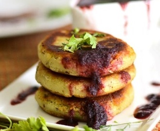 Diwali snacks – Sweet potato tikki stuffed with spicy  peas