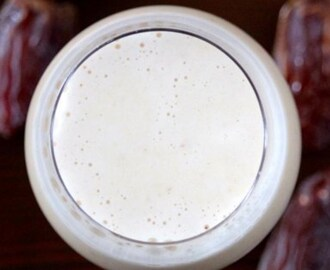 Homemade Naturally Sweetened Almond Milk