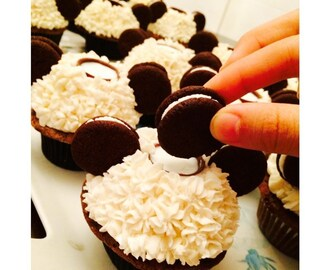 Oreo Cupcakes with a Built-In Milk Cup and Homemade Mini Oreos