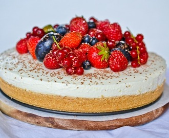 Berrylicous Cream Cheese Torte | Happy Birthday, Mom!