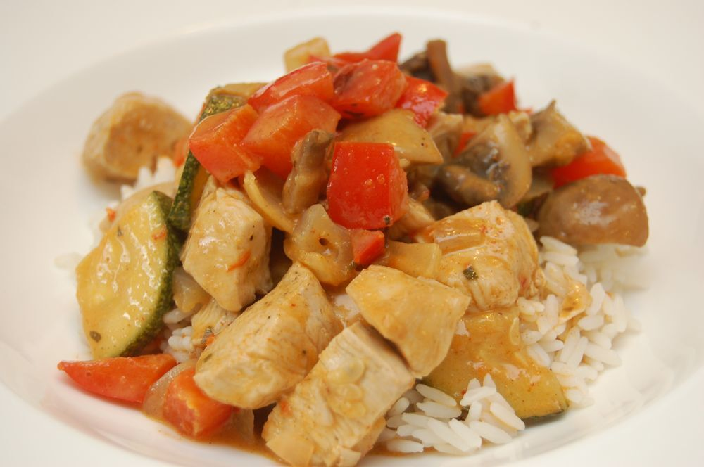 Kyckling red thai curry