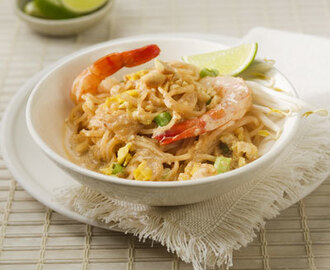 Pad Thai with Creamy Peanut Sauce