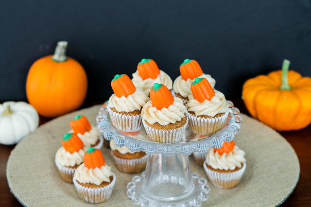 Pumpkin Carrot Cupcakes with Cinnamon Cream Cheese Frosting