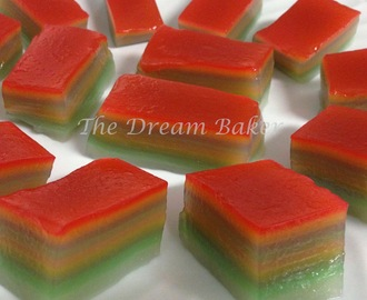 Kueh Lapis a.k.a. Steamed Nine-layer Cake (九层糕)