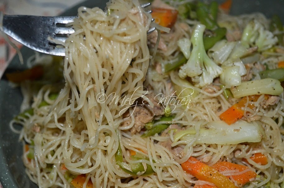 Bihon with Tuna Chunks