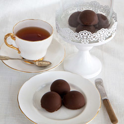 Paul Hollywood's Chocolate Marshmallow Teacakes
