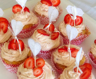 Strawberries and Buttercream Cupcakes