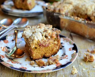 Baking Treats for Britain: Rhubarb Crumble Tray-Bake Cake