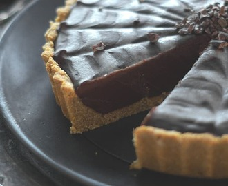 Gluten-Free, Vegan and Paleo Chocolate Pumpkin Tart — Some Halloween Fun :)