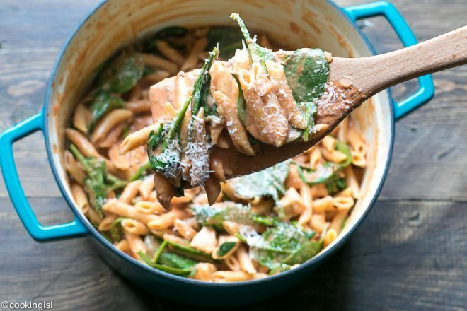 One Pot Creamy Tomato Chicken Spinach Pasta Recipe