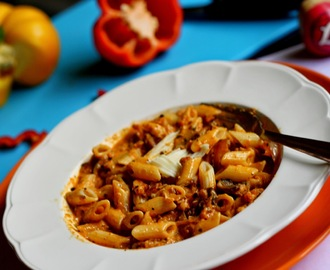 Pasta in Roasted Red Pepper Sauce...