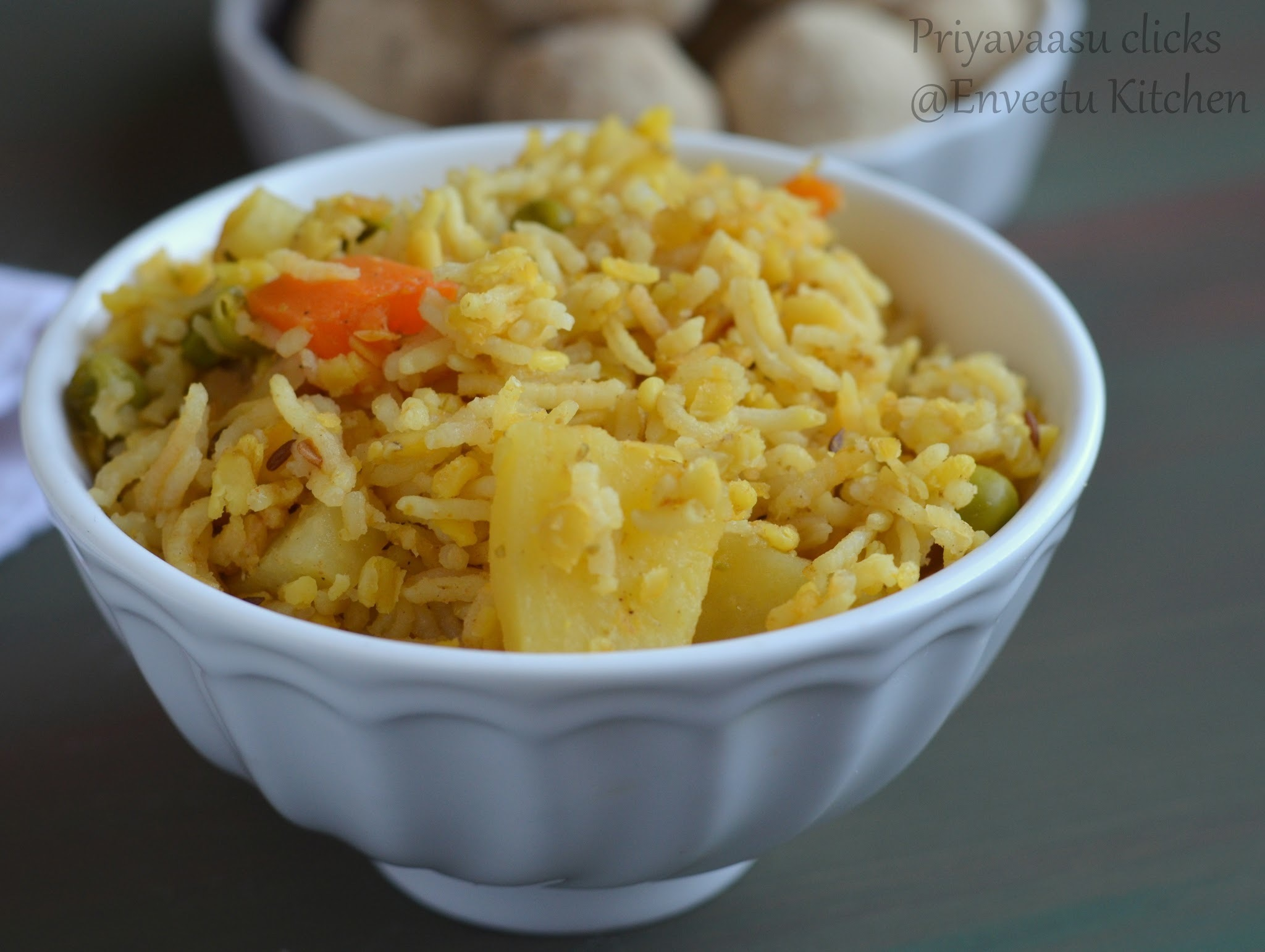 Mixed Vegetable Moong dal Khicdi - in pressure cooker