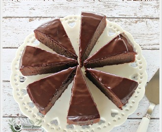 Nutella Mud Cake with Fudge Frosting