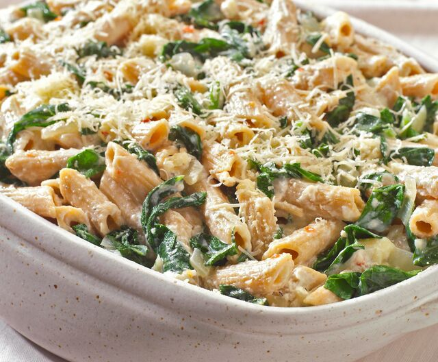 Vegetarian Oven-Baked Pasta with Ricotta Cheese and Spinach