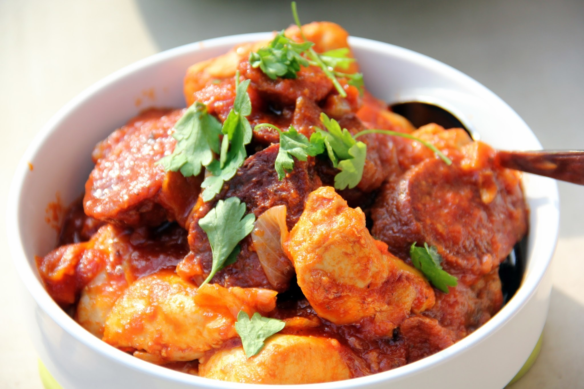 SAWCLicious Recipes: Chorizo Iberico with Chicken in Tomato Sauce