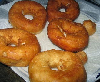 Quick & Easy Homemade Donuts (Using Canned Biscuit Dough)