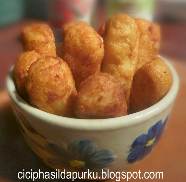 FRENCH FRIES (KENTANG GORENG AYAM SOSIS)