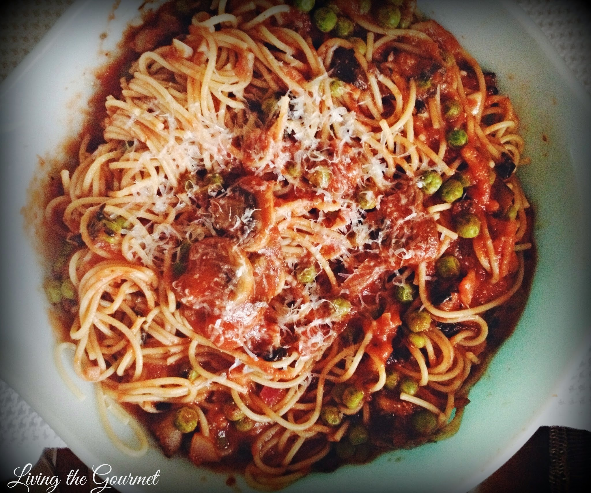 Spaghetti Sauce with Peas and Mushrooms