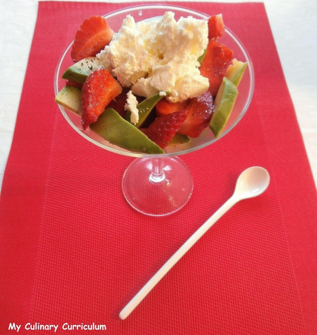 Verrines avocat, fraises, fromage frais, huile d'olive  (Glasses avocado, strawberry cream cheese olive oil)