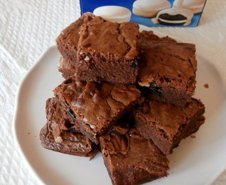 Brownies au chocolat au lait et oreos blancs (Brownies with milk chocolate and white oreo)