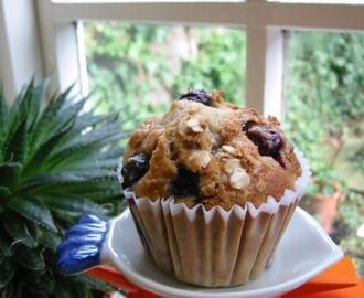 Low-fat Banana & Blueberry Muffins