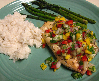 Applebees Low Fat Grilled Tilapia with Mango Salsa #FamousRestaurantCopycats