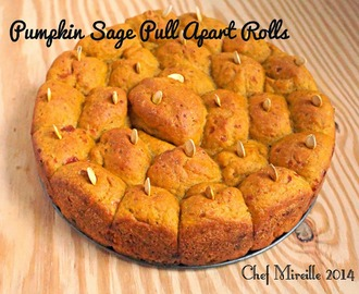 Pumpkin, Cheddar & Sage Pull Apart Rolls for #BreadBakers