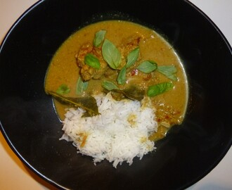 Homemade Curry Paste and a 15 Minute Red Pork Curry Recipe