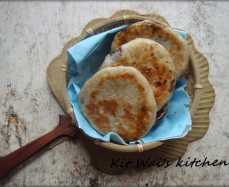 糖饼 ~ Sweet Pancakes with Brown Sugar Syrup Filling / Hotteok ( 호떡 )