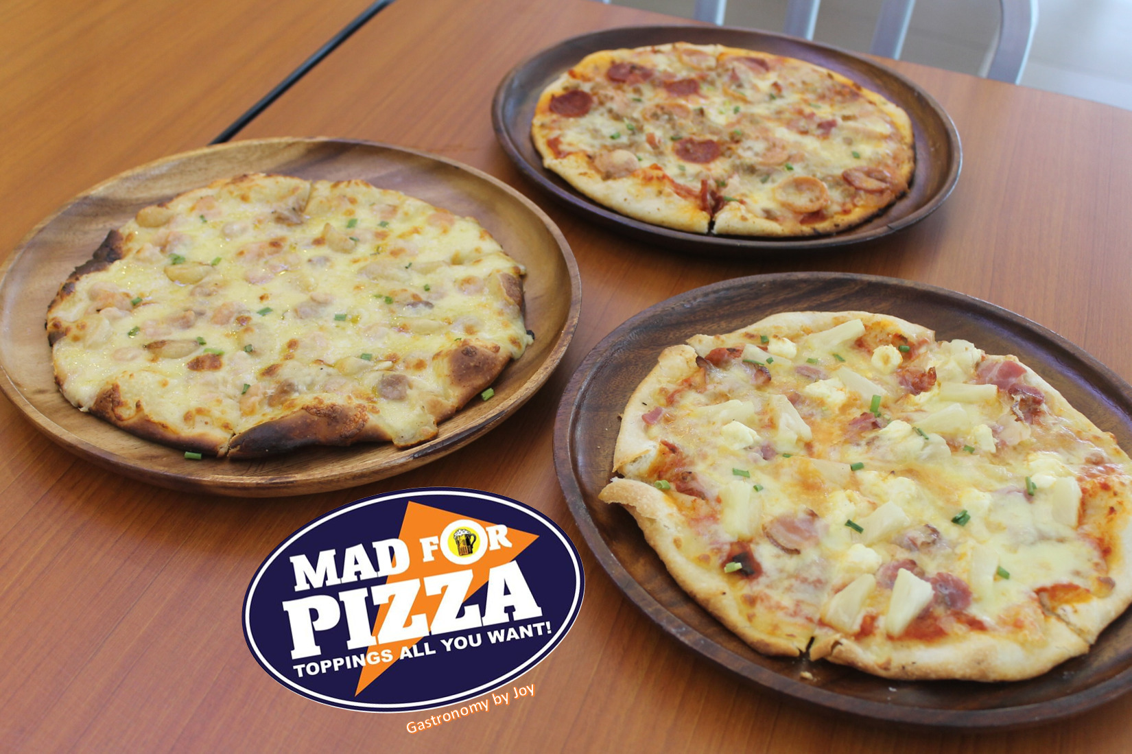 Mad for Pizza, Toppings All You Want!