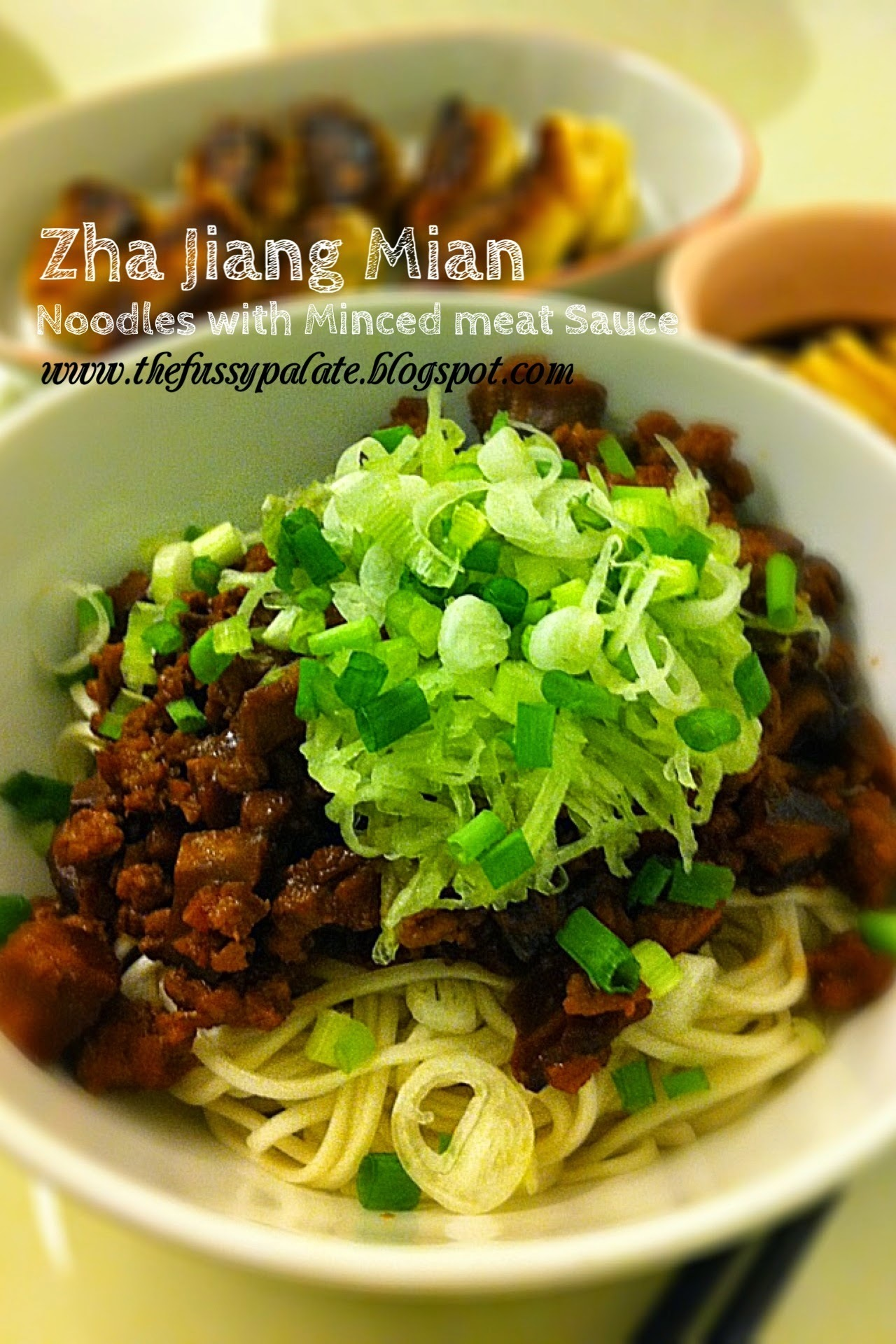 Zha Jiang Mian (Noodles With Minced meat Sauce)