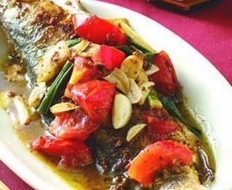Toon tomato sauce broiled fish