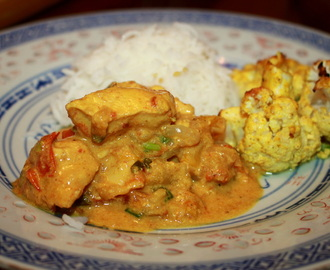 Indian Chicken Curry with Cauliflower