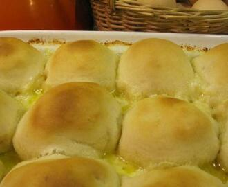 STUFFED MOZERELLA DOUGH BALLS