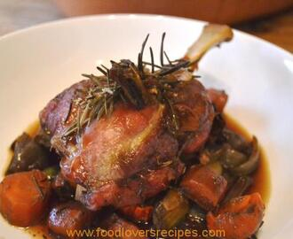 SLOW ROAST PORK SHANK WITH RED WINE JUS