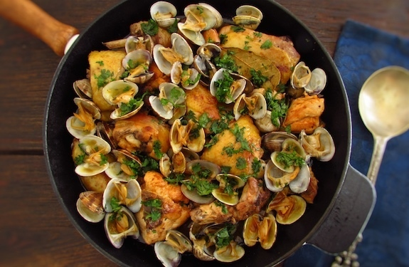 Fried chicken with clams | Food From Portugal