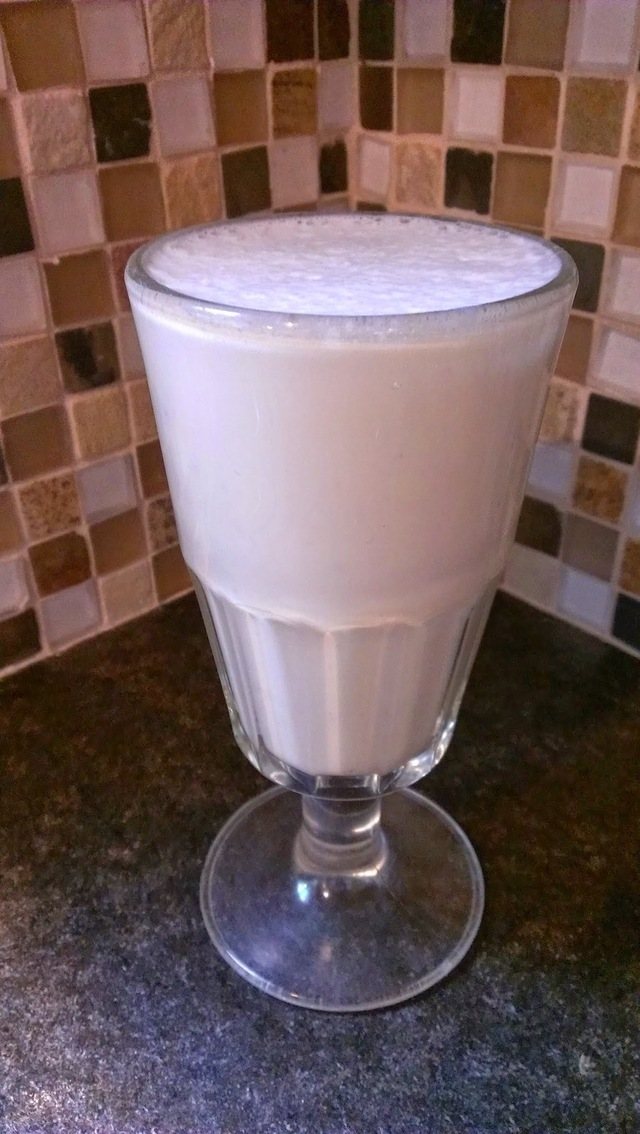 "Banana ""Whippie""- Simple Breakfast Smoothie"