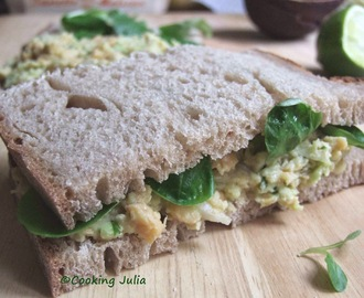 SANDWICH POIS CHICHES-AVOCAT