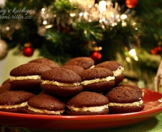 The Daring Bakers' December 2013 Challenge: Let's Make Whoopie!