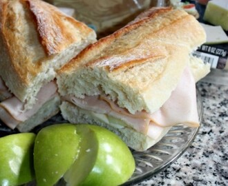 ALDI Meals: Turkey and Havarti Cheese with Apples Sandwich Recipe + $25 ALDI Flash Giveaway