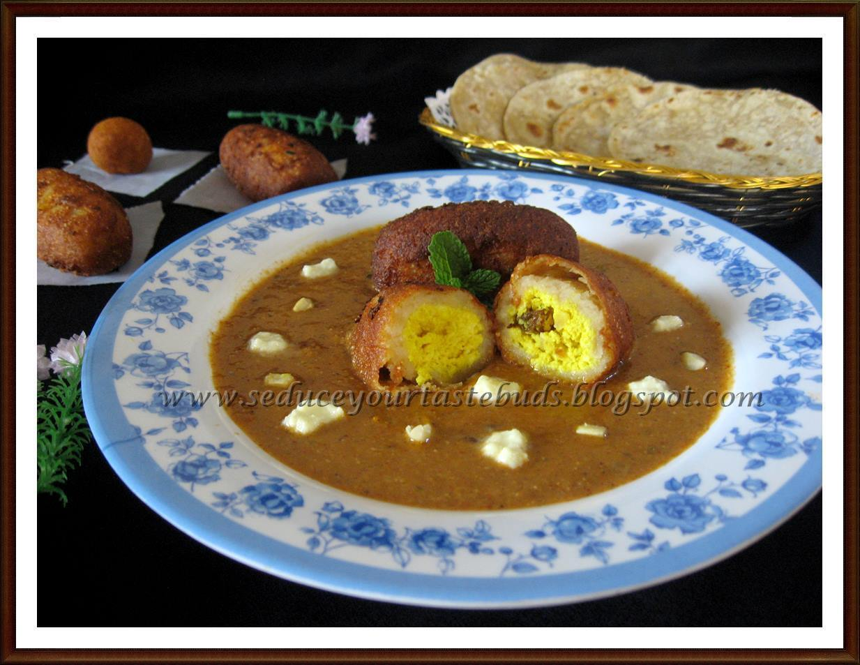 Vegetarian Nargisi Kofta Curry
