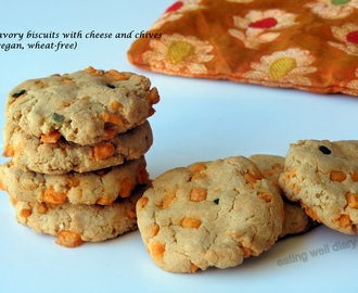 Savory biscuits with cheese and chives (vegan, nut-free, wheat-free)