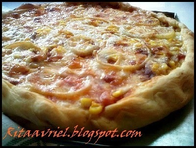 PIZZA CRUST TOPPING BOLOGNAISE