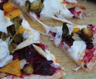 Leftover Thanksgiving Pizza #Sundaysupper