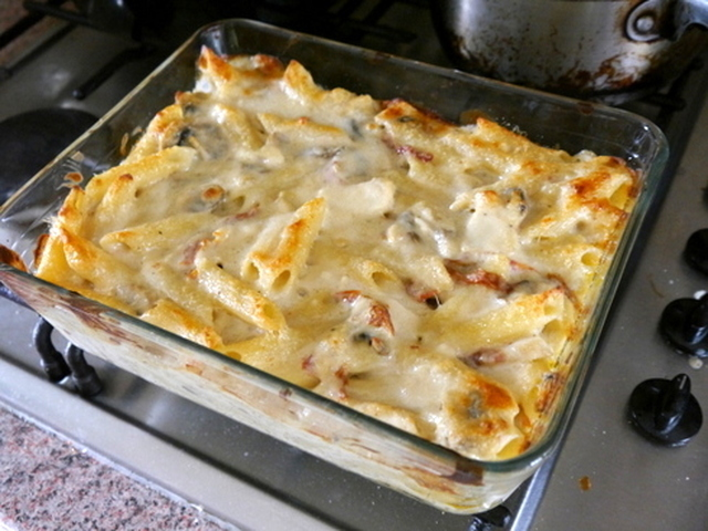 Baked Pasta with Chicken and Sun Dried Tomatoes