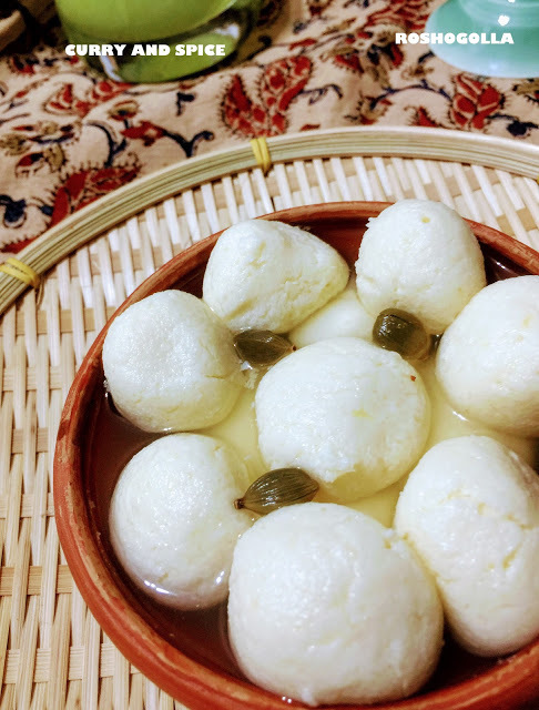 ROSHOGOLLA [COTTAGE CHEESE BALLS IN SUGAR SYRUP]
